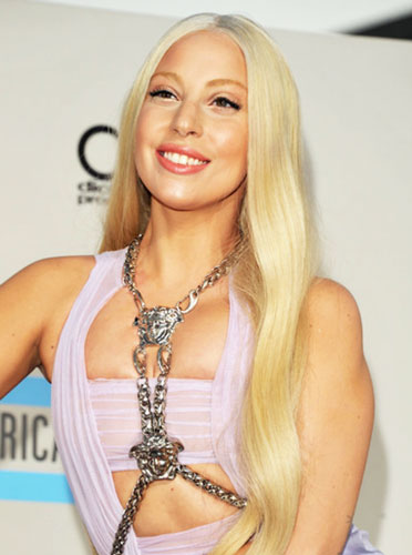 Lady Gaga's Middle Part Long Hairstyle at the 2013 American Music Awards