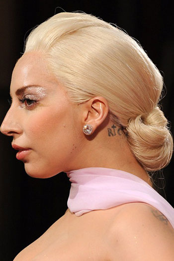 Lady Gaga's Simple and Sleek Updo at the 2014 Oscars
