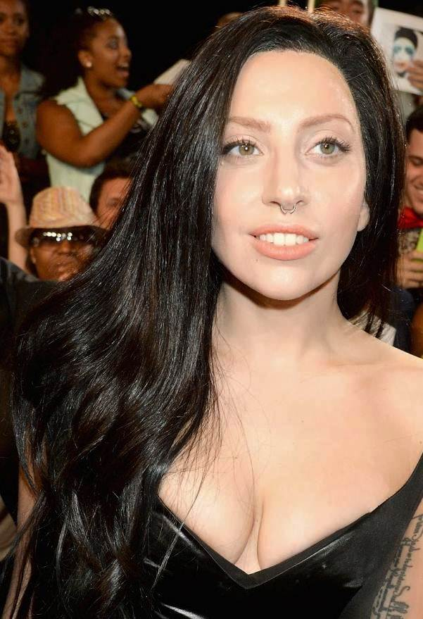 Lady Gaga's Long Sultry Wavy Black Hairstyle At The 2013 Video Music Awards