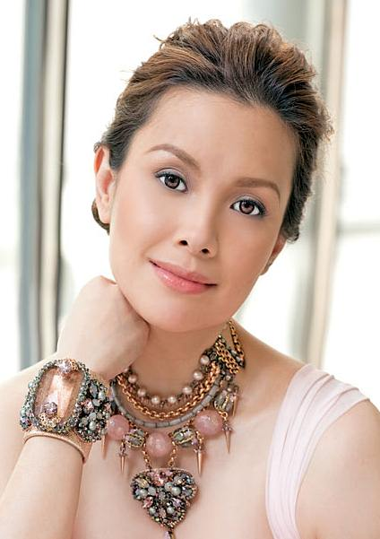 Lea Salonga's Chic Unkempt Updo For Formal Occasions