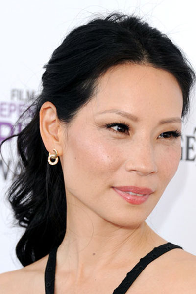Lucy Liu's Romantic Low Wavy Ponytail for Wedding