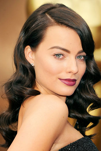 Margot Robbie's Sultry Vintage Long Hairstyle at the 2014 Oscars