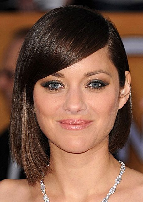 Marion Cotillard's Cute and Chic A-Line Bob With Side Bangs