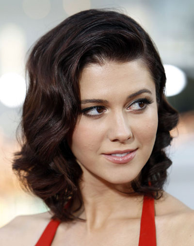 Mary Elizabeth Winstead's Sophisticated Curly Layered Shoulder Length Hairstyle