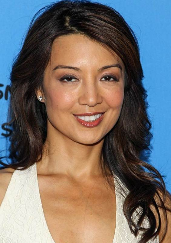 Ming Na Wen's Sexy Long Curly Hairstyle