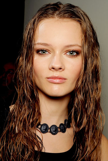 Monika Jagaciak's Cool Long Wavy Wet Look Hairstyle