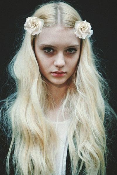 Nastya Kusakina's Chic Bohemian Hairstyle with Matte Texture