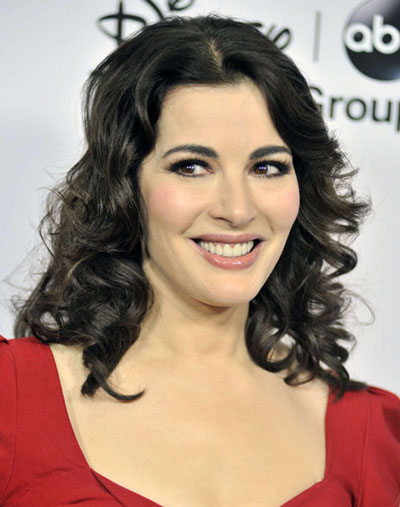 Nigella Lawson's Sexy Shoulder Length Middle Part Hairstyle