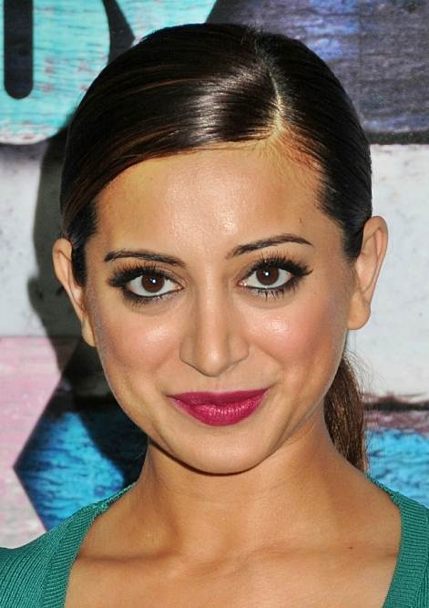 Noureen DeWulf's Chic Sleek Side Part Ponytail Hairstyle