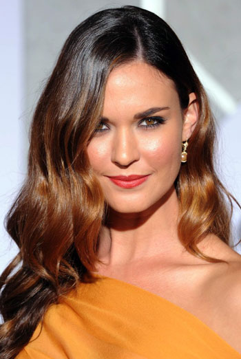 Odette Annable's Sultry Long Wavy Hairstyle