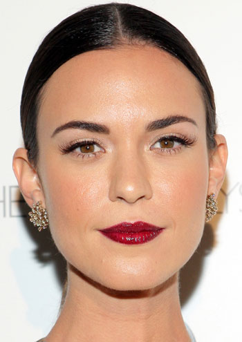 Odette Annable's Chic Sleek Ponytail