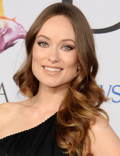 Olivia Wilde's Long Wavy Hairstyle At CFDA Fashion Awards 2014