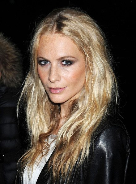 Poppy Delevingne's Long Blond Out Of Bed Hairstyle