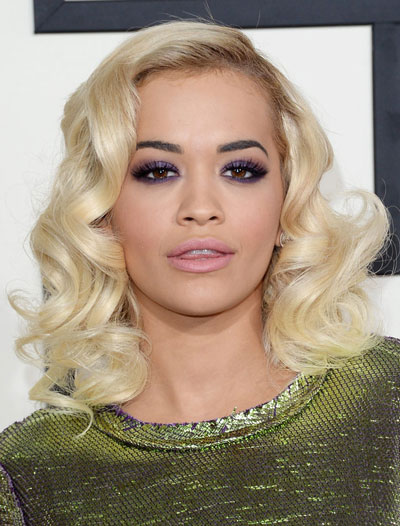 Rita Ora's Glamorous Medium Curly Hairstyle at the 2014 Grammy Awards