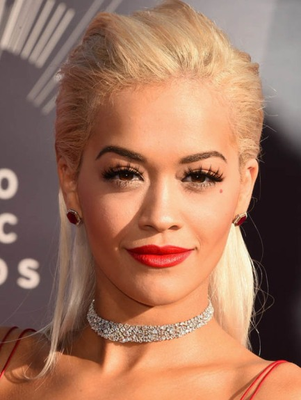 Rita Ora's Sleek Hairstyle At VMA Awards 2014