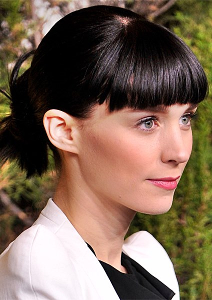Rooney Mara Unique Spiky Low Ponytail With Blunt Bangs