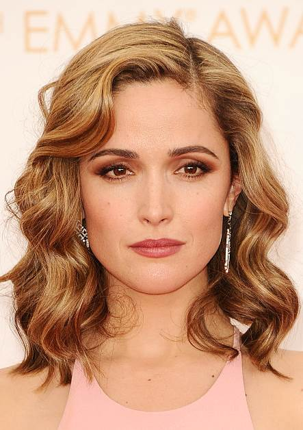 Rose Byrne's Sophisticated Wavy Hairstyle at the 2013 Primetime Emmy Awards