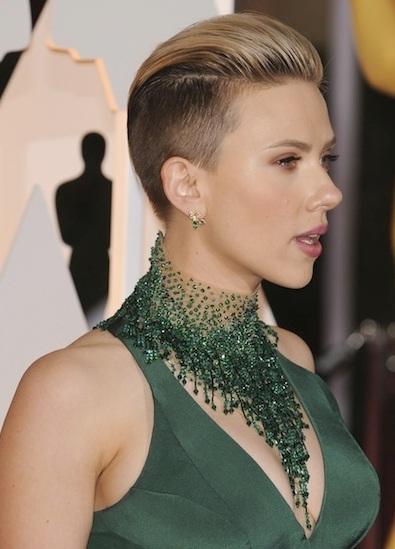Scarlett Johansson's Punk Pompadour At Oscars 2015