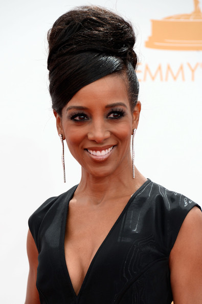 Shawn Robinson's High Bun Hairstyle at the 2013 Primetime Emmy Awards
