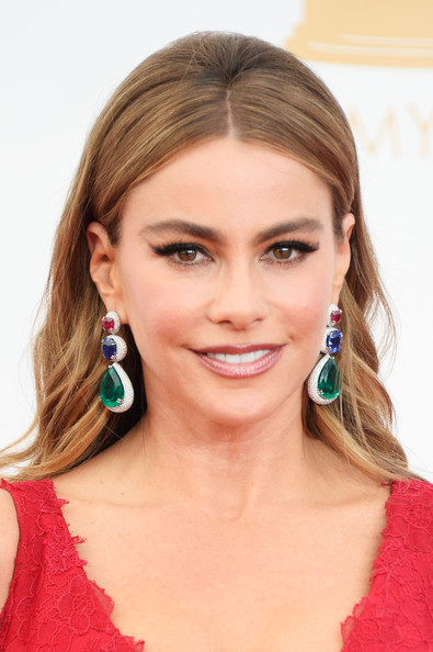 Sofia Vergara's Middle Part Bouffant at the 2013 Primetime Emmy Awards