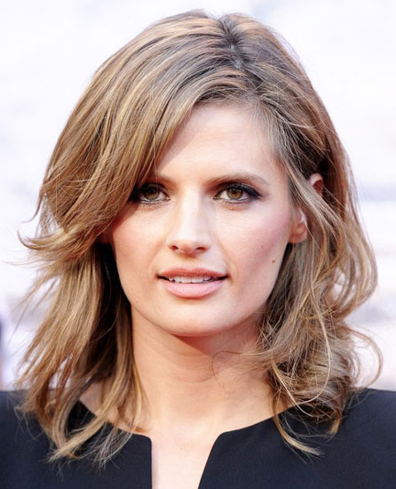 Stana Katic's Sultry Medium Bedhead Hairstyle