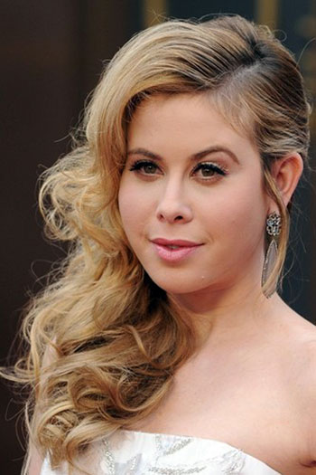 Tara Lipinski's Hot Curly Side-Swept Hairstyle at the 2014 Oscars