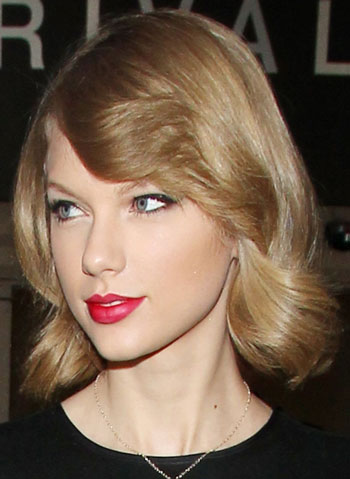 Taylor Swift's Pretty Long Bob Hairstyle
