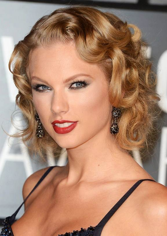 Taylor Swift S Curly Retro Bob Prom Wedding Formal