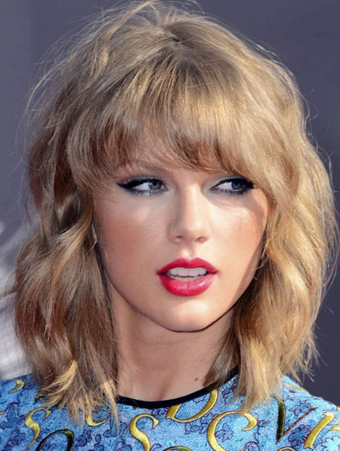 Taylor Swift's Retro Wavy Bob At VMA 2014
