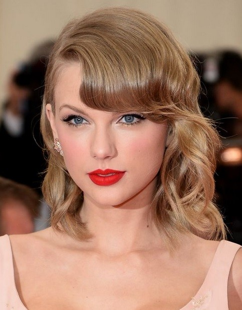 Taylor Swift's Side Bangs Wavy Bob At Met Ball 2014