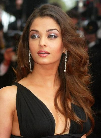 Aishwarya Rai Bachchan's Brunette Hair In Long Layered Hairstyle