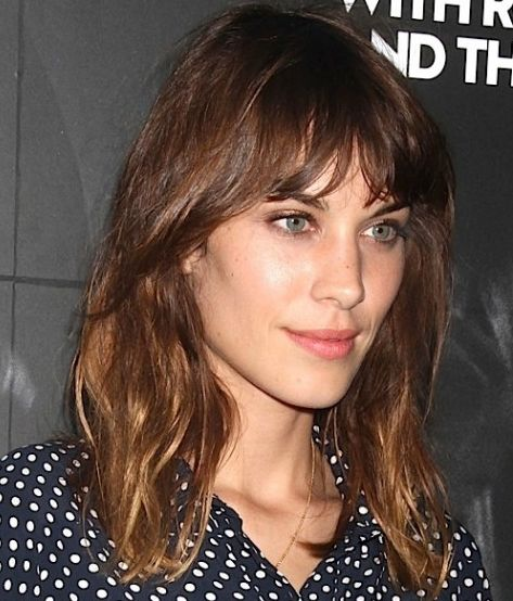 Alexa Chung's Wavy Brown Hair In Bob With Choppy Bangs