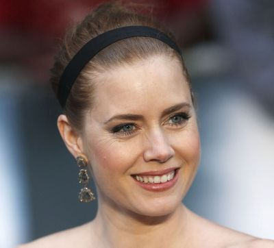 Amy Adams Long Hair In Elegant Updo With Headband