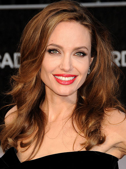 Angelina Jolie's Long Brown Hair In Layered Curly Hairstyle