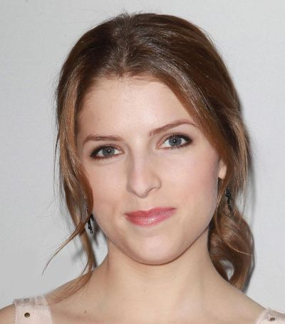 Anna Kendrick's Brown Straight Hair In Simple Updo Hairdo