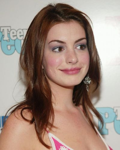 Anne Hathaway's Long Straight Brown Hair In Layered Hairstyle