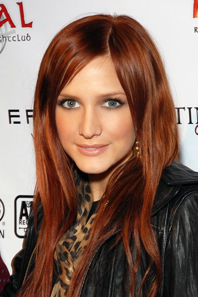Ashlee Simpson's Long Straight Auburn Hair In Casual Hairstyle
