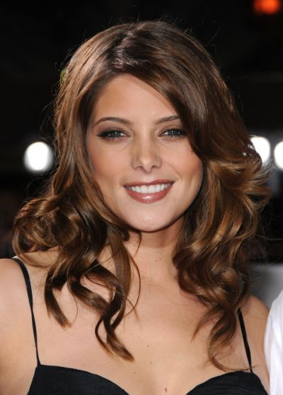 Ashley Greene's Brunette Hair In Layered Curly Hairstyle