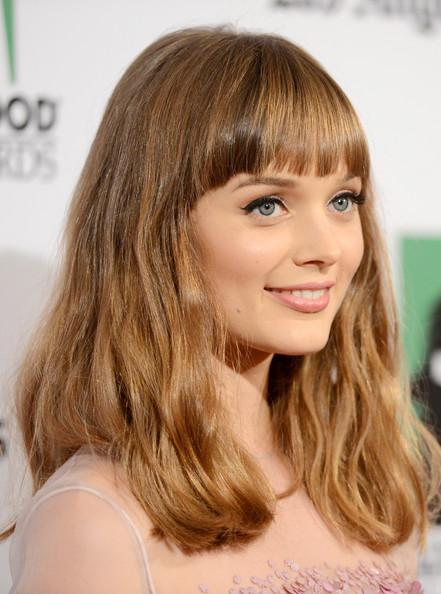 Bella Heathcoat's Brown Long Wavy Hairstyle Has Straight Bangs
