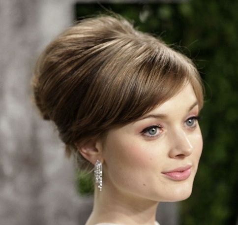 Bella Heathcote's Straight Brown Hair In Elegant Vintage Bouffant Updo