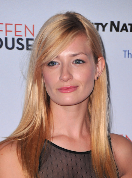 Beth Behrs's Long Straight Blonde Hair With Blunt Hair Bangs
