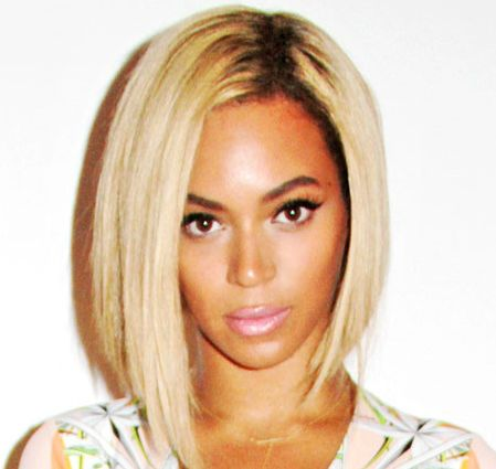 Beyonce's Blonde Straight Hair In Chic Asymmetrical Bob Hairstyle