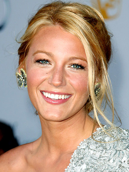 Blake Lively's Long Blonde Hair In Simple Blonde Romantic Updo