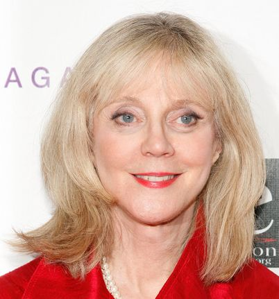 Blythe Danner's Golden Blonde Hair In Straight Mature Hairstyle