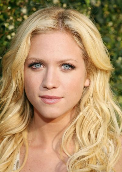 Brittany Snow's Medium-Length Blonde Hair In Beachy Wavy Hairstyle