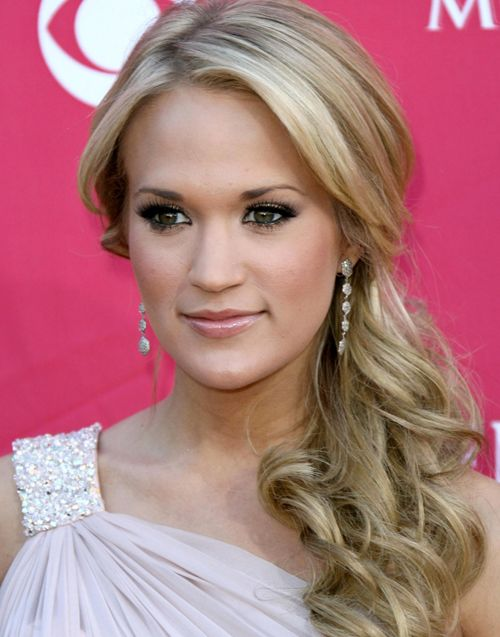 Carrie Underwood's Long Blonde Hair In Formal Curly Side Ponytail