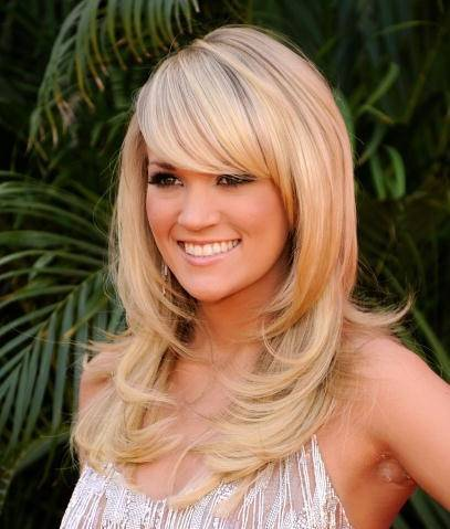 Carrie Underwood's Long Layered Blonde Hair With Side Bangs