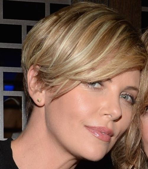 Charlize Theron's Straight Blonde Hair In Short Cropped Hairstyle