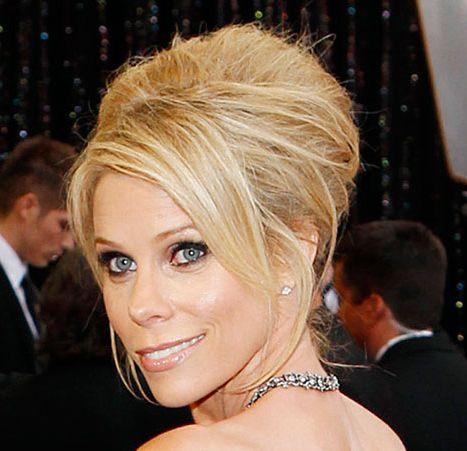Cheryl Hines's Blonde Hair In Formal Bouffant Updo Hairdo