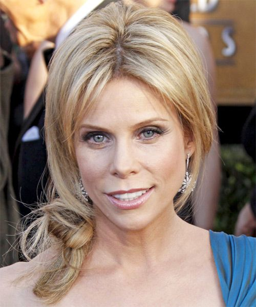 Cheryl Hines's Long Blonde Hair In Loose Twisted Formal Hairdo